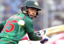 মুশফিকুর রহিম বাংলাদেশ জাতীয় ক্রিকেট দলের উইকেটরক্ষক।